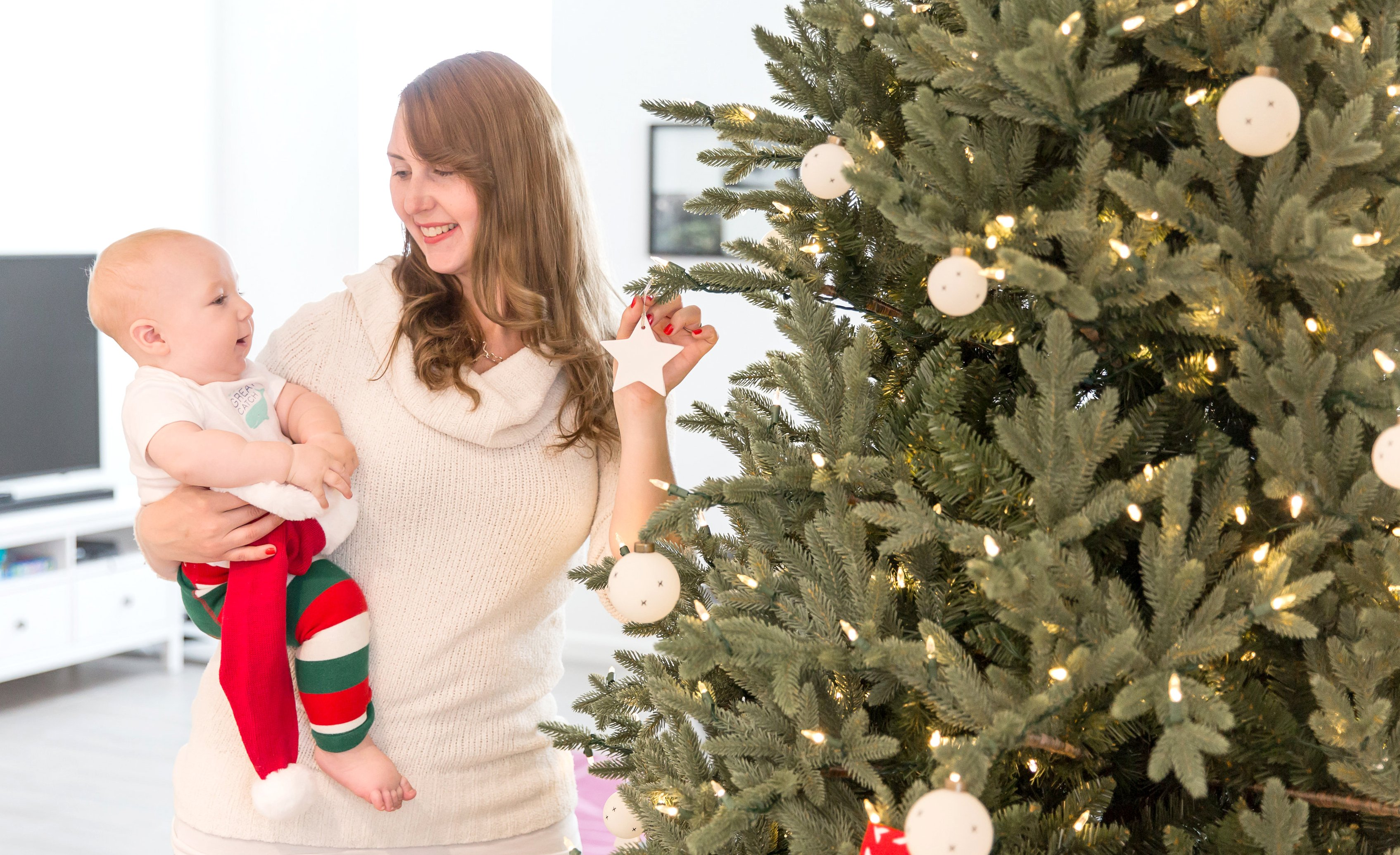 3 tips for christmas tree decorating with a curious baby for Baby christmas tree decoration